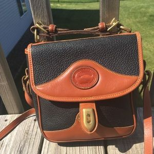 Vintage Dooney and Bourke messenger bag